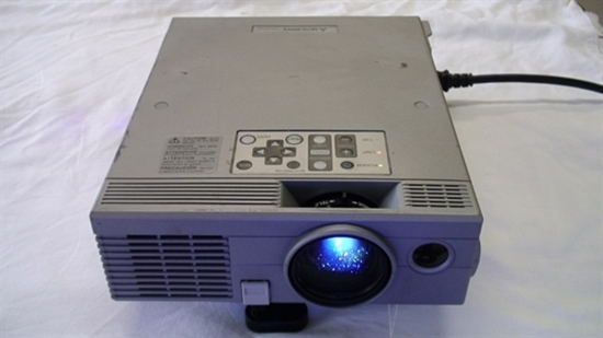 Picture of LVP-X70UX, MITSUBISHI LCD PROJECTOR LVP-X70UX, PROJECTOR